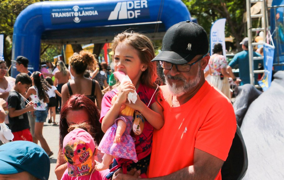 Dia das Crianças em Brasília tem missa e muitas brincadeiras - Bernadete Alves