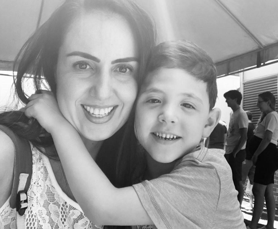 Karine Câmara lança livro que inspira diversão fora da tecnologia - Bernadete Alves