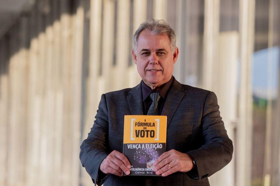 """Osmar Bria lança """"A Fórmula do Voto"""" em Brasília - Bernadete Alves"""