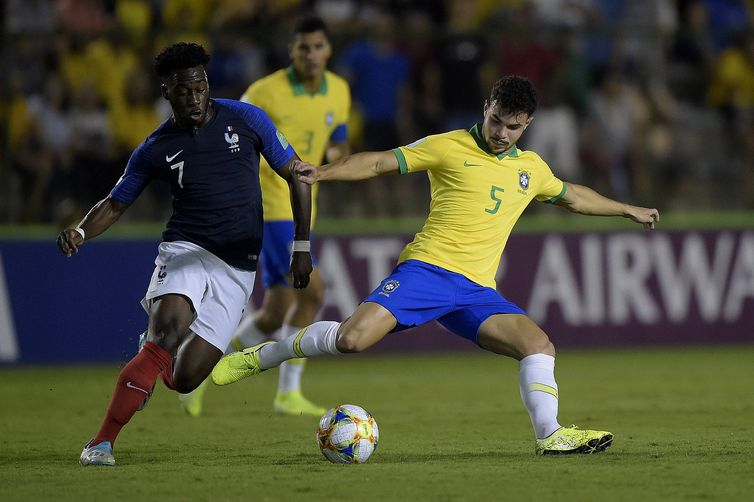 Brasil Sub-17 está na final do Mundial - Bernadete Alves