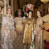 Dolce & Gabbana encena espetáculo de Alta Moda no Alla Scala