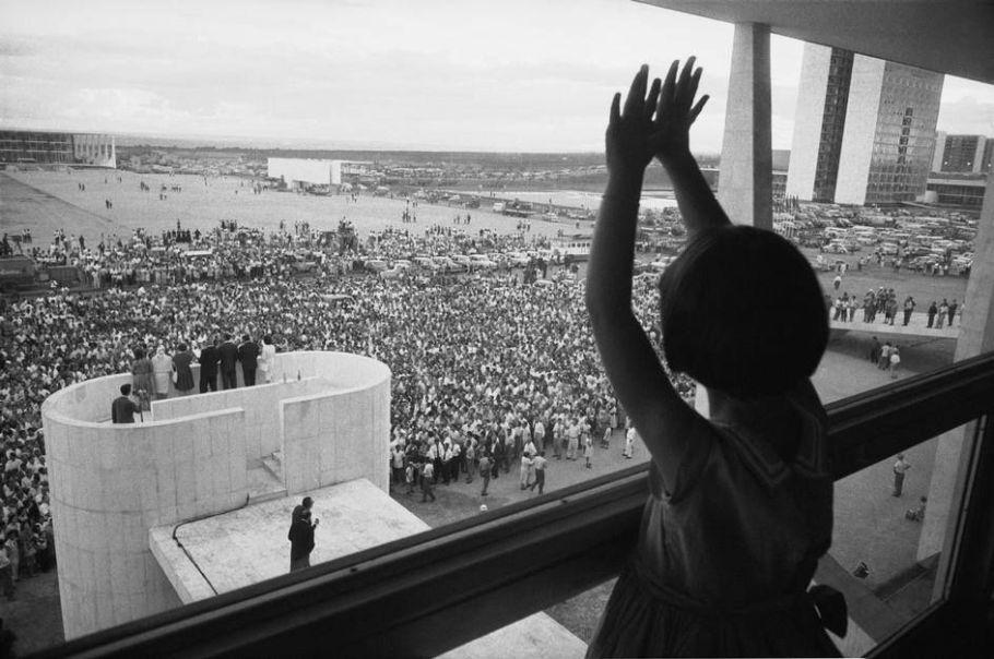 Brasilia 60 Anos - amor e esperança além do concreto - Bernadete Alves