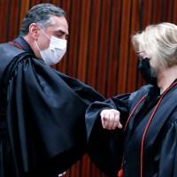 Barroso assume TSE em posse virtual e critica campanhas de difamação e de ódio