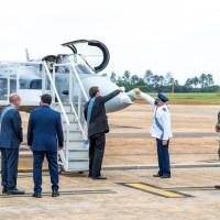 Caça Gripen da FAB é apresentado em Brasília no Dia do Aviador
