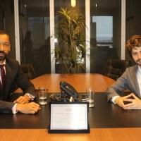 Juiz Fábio Esteves recebe homenagem do Portal Jurídico Viver Direito