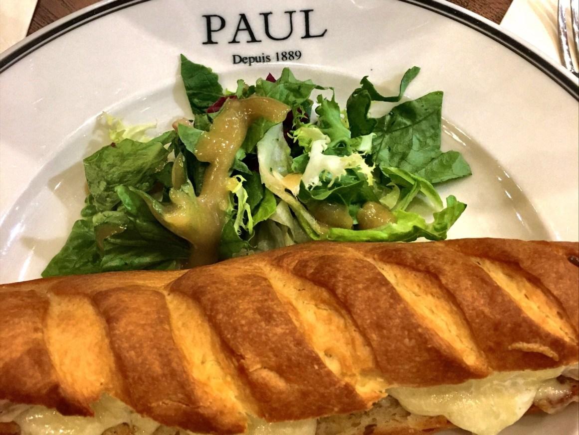 Leziz Paun Cafe sandviçleri