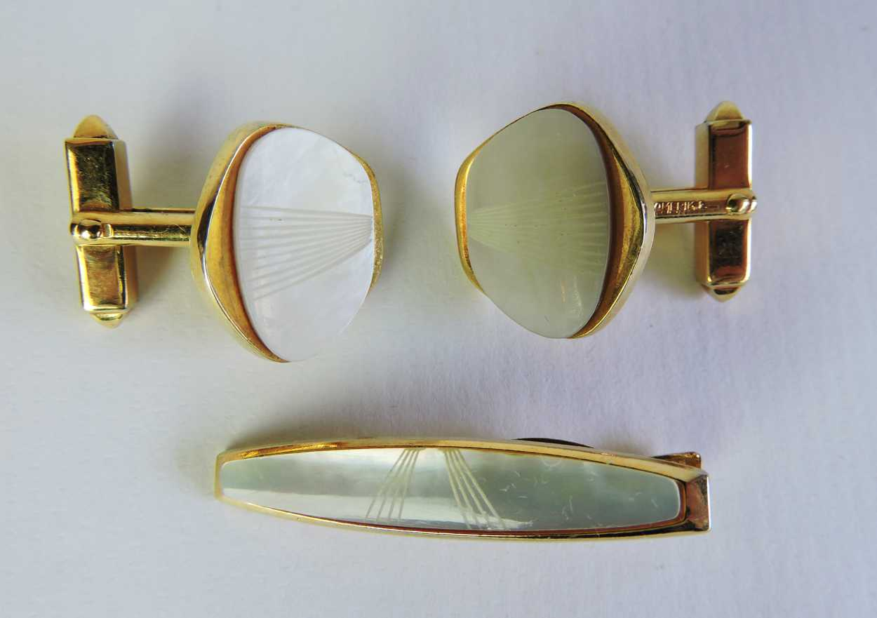 Mother Of Pearl Vintage Cufflinks And Tie Tack Set
