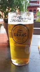 Bier von GRANS. Älteste Brauerei der Stadt. Sehr angenehmes Gebräu.