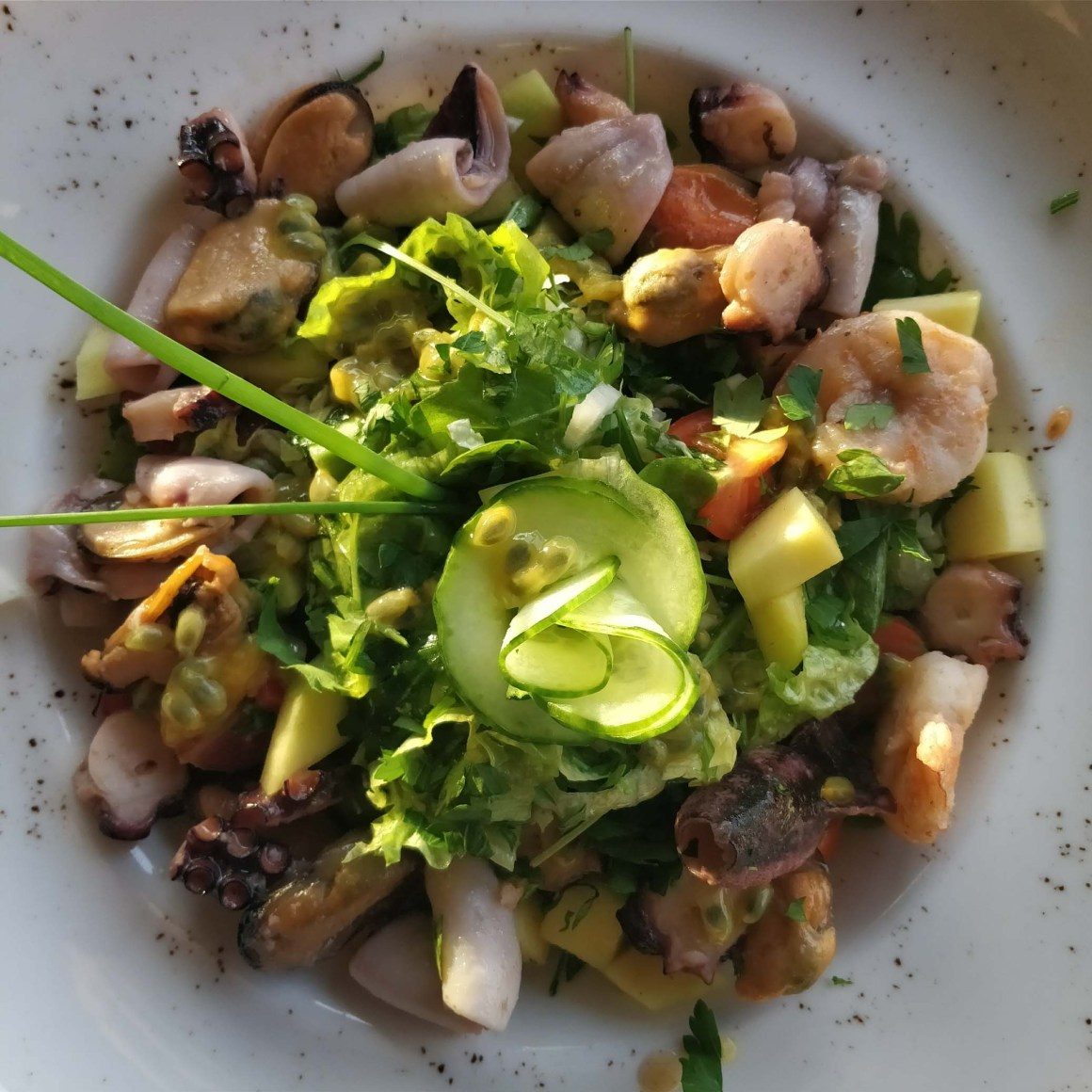 Octopus Eat Greek: flavours of your summer holidays, in the buzzing city (Bucharest)| Berries and Spice