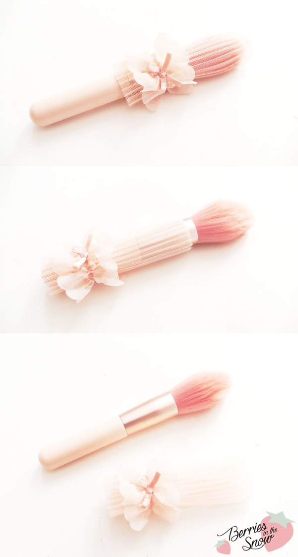 Etude House Dreaming Swan Veiling Pact Brush