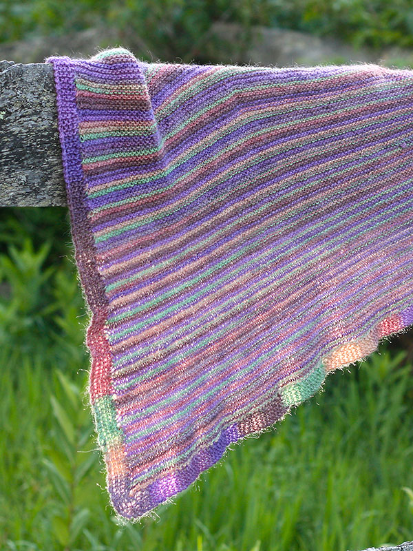Coquina shawl knitting pattern in Berroco Folio Color