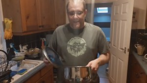 Andy B 2 Minute Video, Saucepan Lids