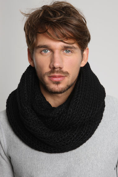 Snood urbanoutfitters noir