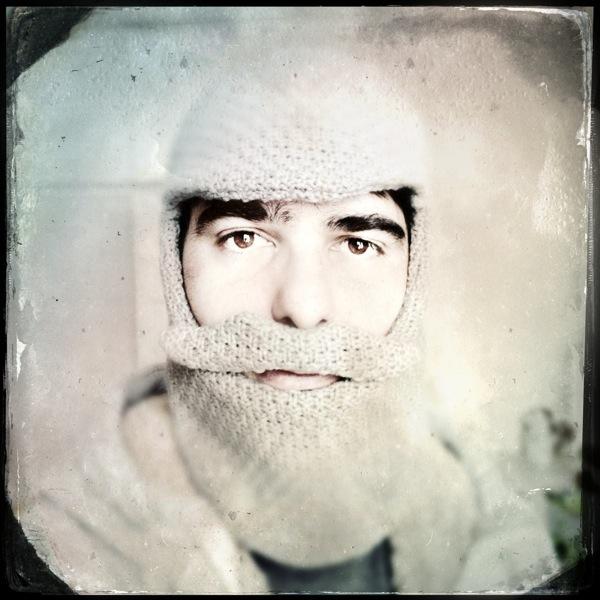 Cagoule moustache