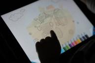 Dimanche 28 avril : un petit doigt sur un iPad