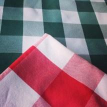 Mercredi 19 mars : serviettes Vichy dans un restaurant à Vichy