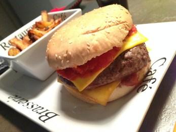 Lundi 7 avril : Hamburger maison