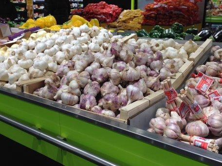 Lundi 16 février 2015 : étalage d'oignons, ça me rappelle les marchés