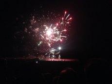 Près de 40.000 personnes se massent autour de l'étang pour admire le feu d'artifice du 14 juillet
