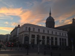 Magnifique ciel le soir Place de Jaude