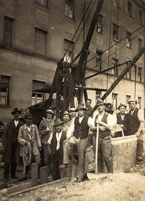 altes Gruppenfoto: Straßenbauer
