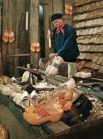Holzschuhmacher, Holzschuhe, Holzpantinen