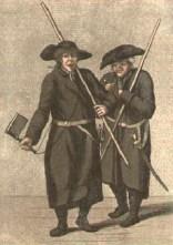 Kolorierte Radierung: zwei Nachtwächter mit Stab und Säbel, einer singend mit Ratsche in der Hand