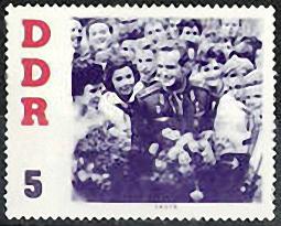 Briefmarke: Kosmonaut Titow im Bad der Menge