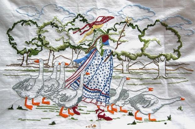 Stickerei auf Weißwäsche: Gänsemagd mit sieben Gänsen