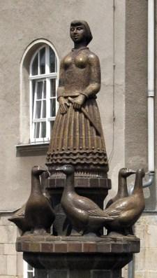Gänsehüterin, Gänseliesel, Brunnen, Dommitzsch, Skulptur