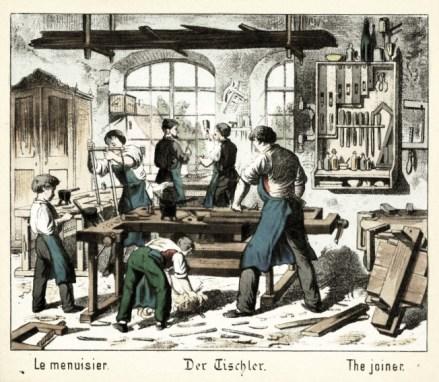 viele Schreiner und Gesellen arbeiten in einer Schreinerwerkstatt