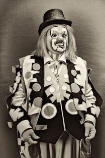 sw Portraitfoto: mexikanischer Spaßmacher - 1930