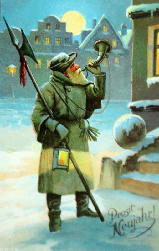 Nachtwächter im Winter mit Hellebarde bläst in sein Horn