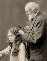 sw Foto: M. Grateau bei der Anwendung seiner Brennschere - 1872, Frankreich