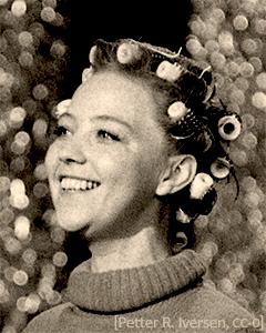 sw Foto: norwegische Sängerin Kausland mit Lockenwicklern - 1974