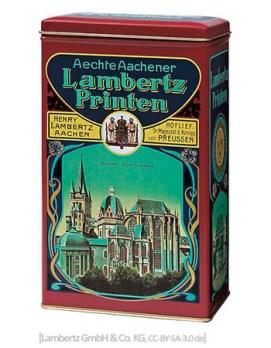 Farbfoto: Blechdose der 'Aechten Aachener Lambertz Printen' im Stil von 1890