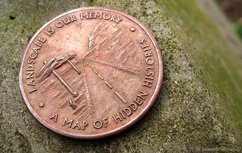 Farbfoto: Sonderprägung einer Kupfermünze