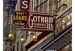 Farbfoto: Pfandleiherzeichen - 3 goldene Kugeln unter Ladenschild - 1940, NY