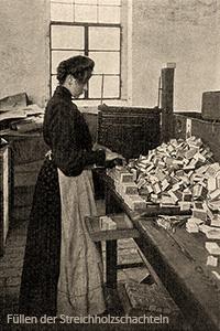 sw Foto: Frau füllt Streichholzschachteln von Hand - 1908