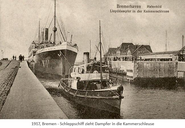 sw Fotopostkarte: Schleppschiff zieht Dampfer in die Kammerschleuse - 1917, Bremen