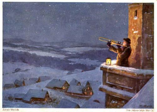 AK: Turmbläser des nachts auf dem Turm über verschneitem Ort