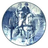 Wandteller: Kutscher und Frau unterwegs mit Einspänner-Zweiradkutsche ~1900