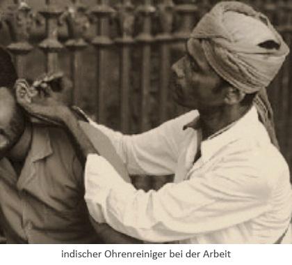 sw Ak-Fotoausschnitt: Indischer Ohrenreiniger bei der Arbeit