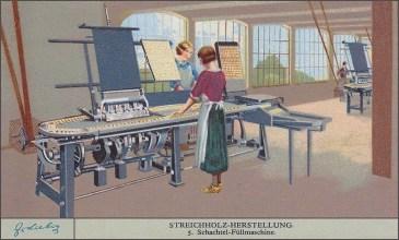 Sammelbild: Frauen füllen Streichhölzer an Maschinen in Schachteln