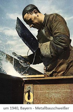 Farbfoto: Metallbauschweißer verbindet Stahlträger ~1940, Bayern