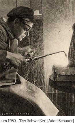 sw Postkarte: Schweißer mit großem Schweißkolben ~1950