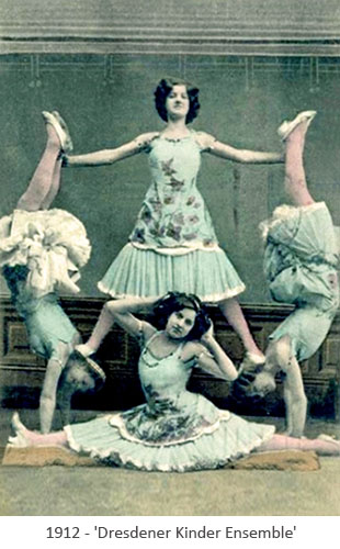 kolorierte Postkarte: 4 Mädchen bilden eine akrobatische Figur - 1912
