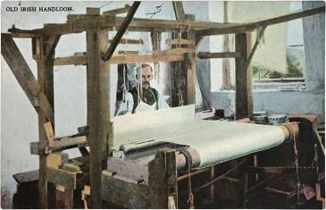 kolorierte Postkarte: Ire arbeitet an altem Webstuhl ~1920, GB