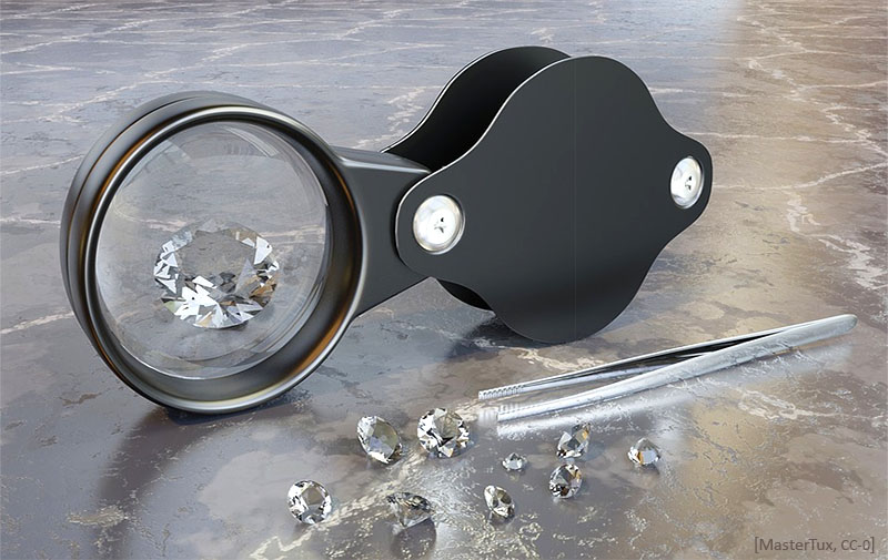 Farbfoto: geschliffene Diamanten, Lupe und Pinzette - 2018