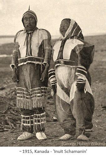 sw Foto: Inuit Schmanin mit Ehemann ~1915, Kanada